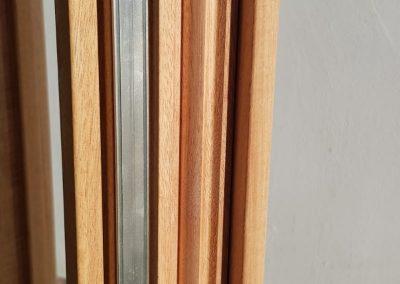 Ferestre din lemn stratificat - detaliu feronerie