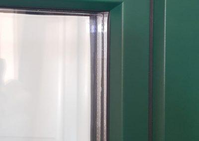 Fereastra din lemn stratificat cu geam termopan