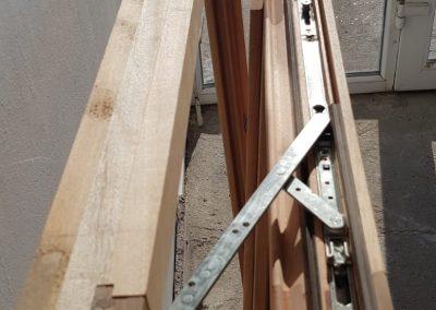 Fereastra dubla din lemn stratificat cu sistem de inchidere