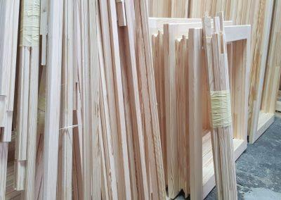 Baghete si rame ferestre lemn